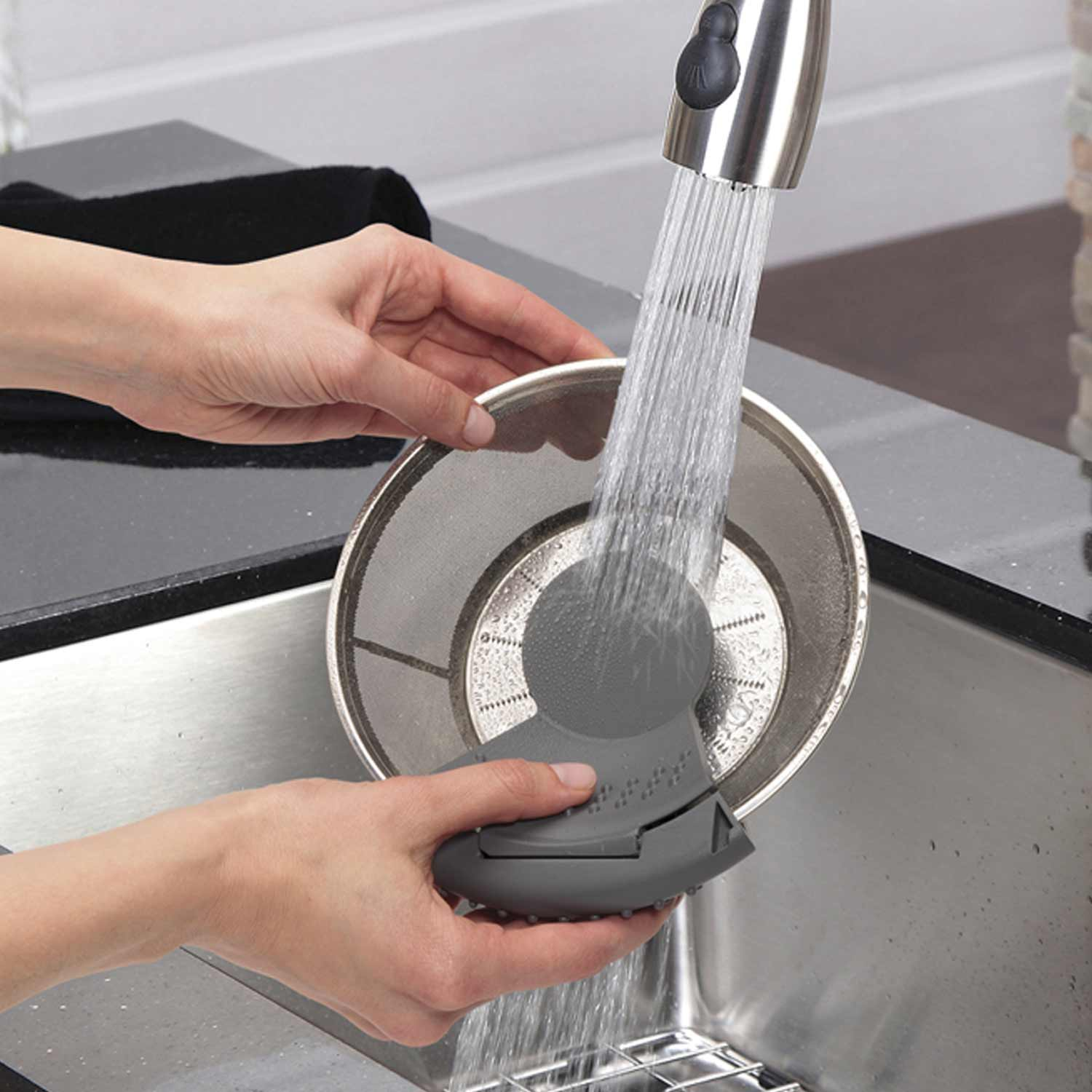 67850 Big Mouth Premium Juice Extractor cuts cleaning time in half with the Easy Sweep cleaning tool.