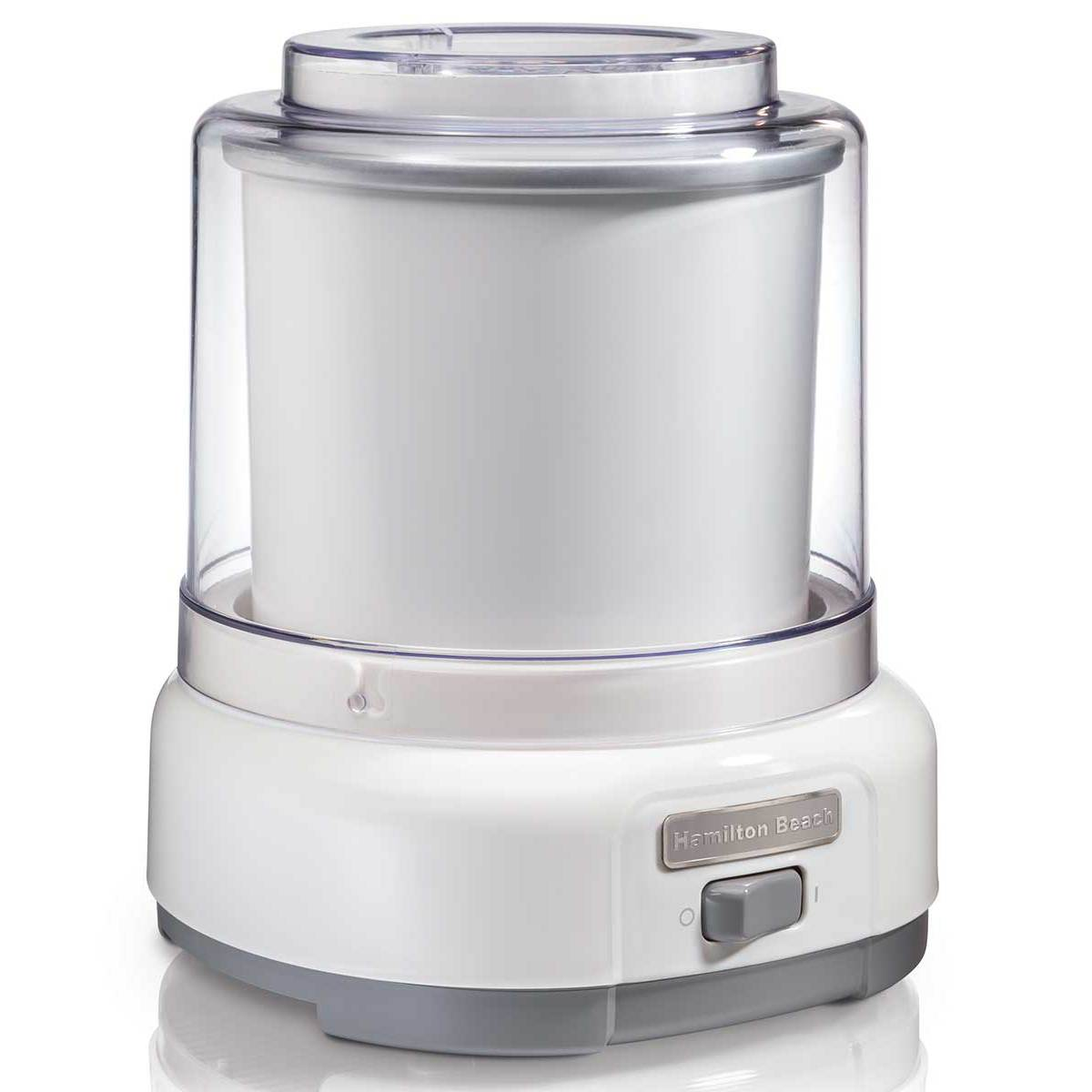 white 1.5 quart ice cream maker