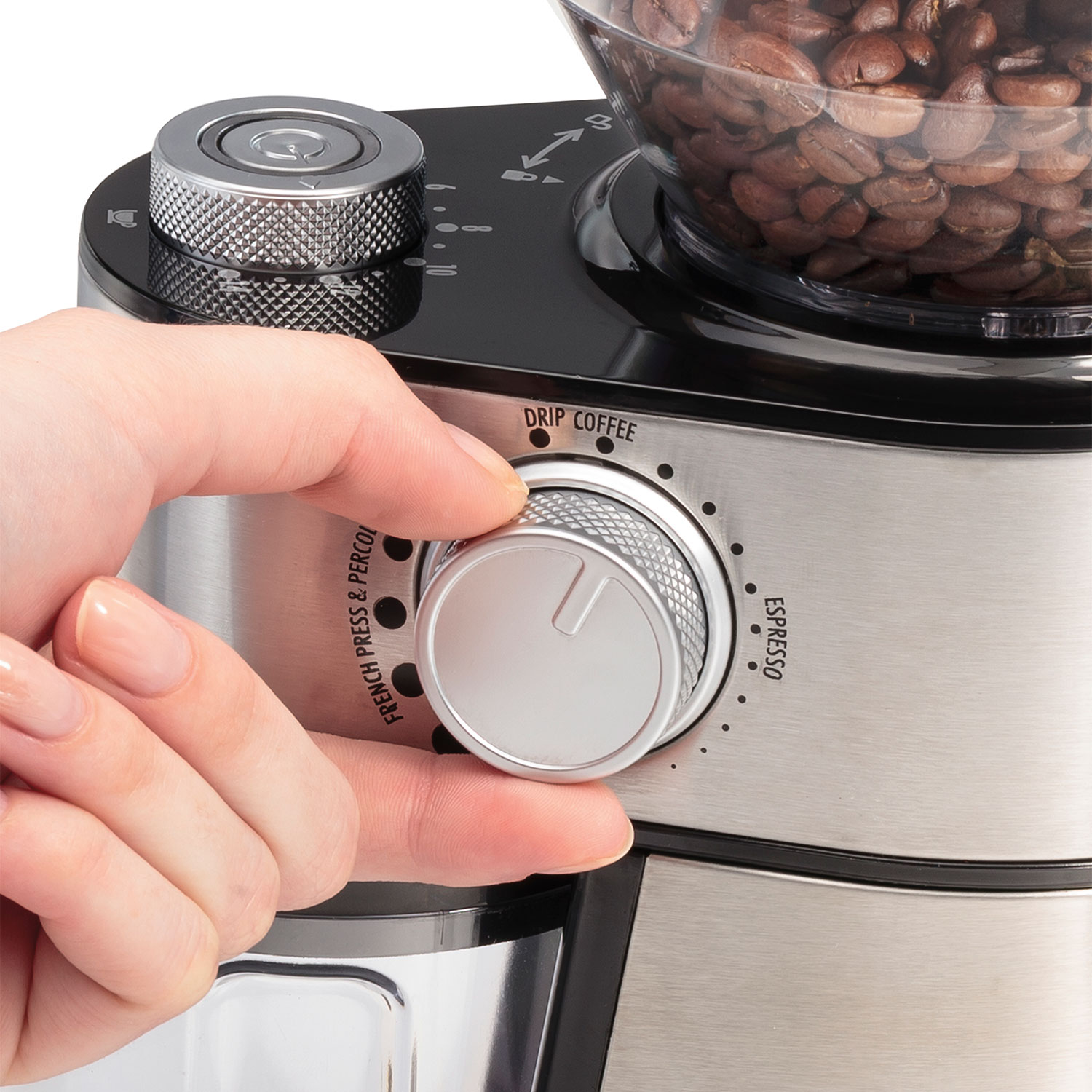 The Fresh Grind Coffee Maker 80333R features a removable grinding chamber for easy pouring and cleaning.