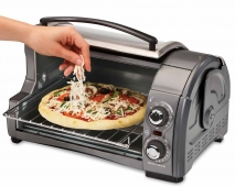 4 Slice Easy Reach™ Toaster Oven with Roll-Top Door (31334Z)
