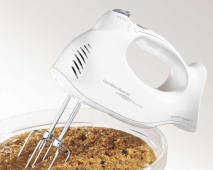 Hand Mixer with Snap On Case (62695R)