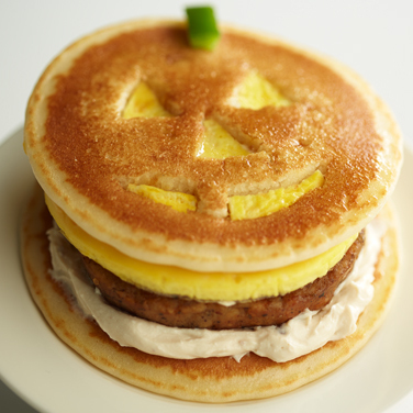 Recipe - Jack-O-Lantern Breakfast Sandwich
