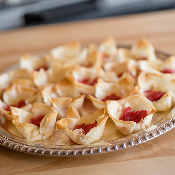 Baked Brie and Cranberry Bites