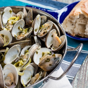 Grilled Clams in White Wine Sauce