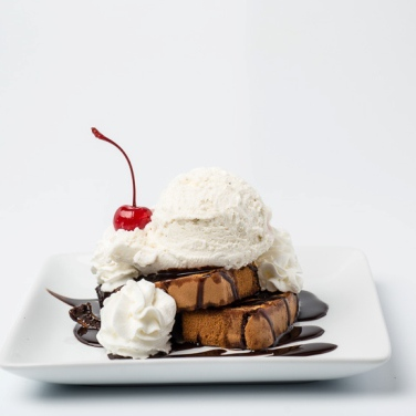 Grilled Pound Cake Sundaes