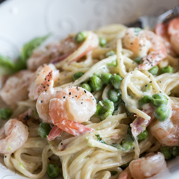 one-pot shrimp alfredo in a bowl