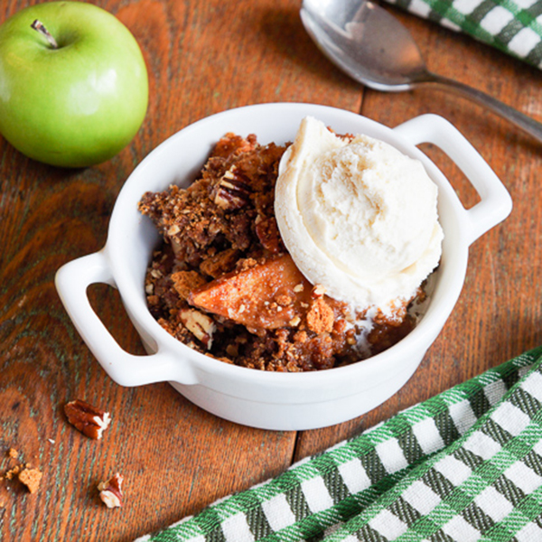 Slow Cooker Snickerdoodle Biscoff® Apple Crisp