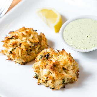 Broiled Maryland Crabcakes with Creamy Herb Sauce image