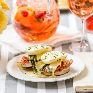 Eggs Benedict with Ham and Roasted Asparagus image