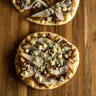 Pear & Gorgonzola Naan Pizza image