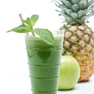 Kale, Pineapple and Mint Green Juice image